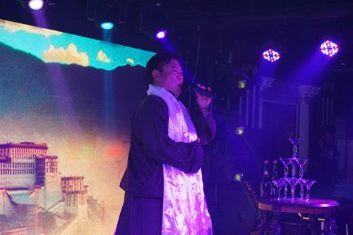 歌手云朵素颜照公开
