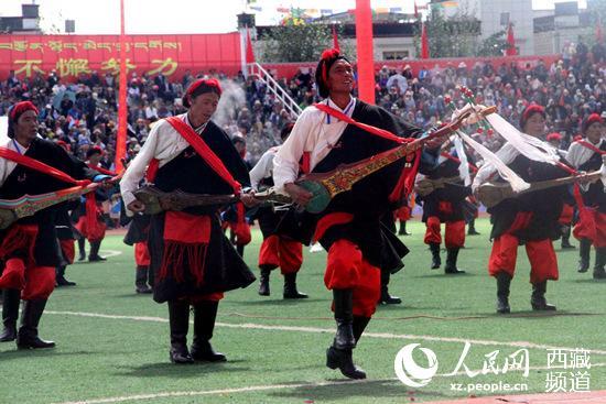 日喀则市第十四届珠峰文化旅游节今日开幕