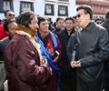 """大年初三,西藏年味""""浓""""        西藏各族群众欢度佳节,整个雪域高原沉浸在节日氛围中。"""