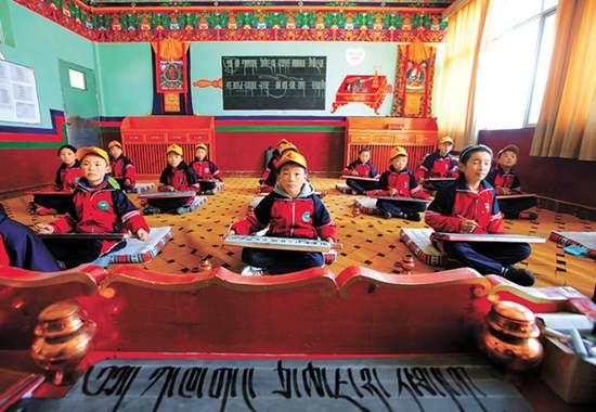 西藏全面推行义务教育均衡发展工程