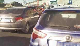 市民反映北环堵车严重 交警:基础设施尚未验收