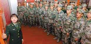 不忘初心 聚力强军       从细微入手,抓细抓实,引导官兵追寻先辈足迹,进一步强化了官兵担当强军重任的使命感。