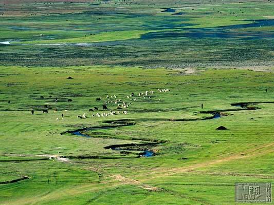 """2个月份的美景-""""香格里拉究竟意味著什麽?""""云南省迪庆藏族自治州委书记齐扎拉说"""